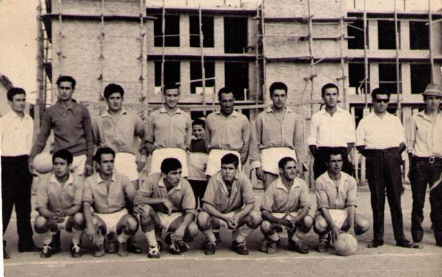 Equipo de fútbol en el Asilo