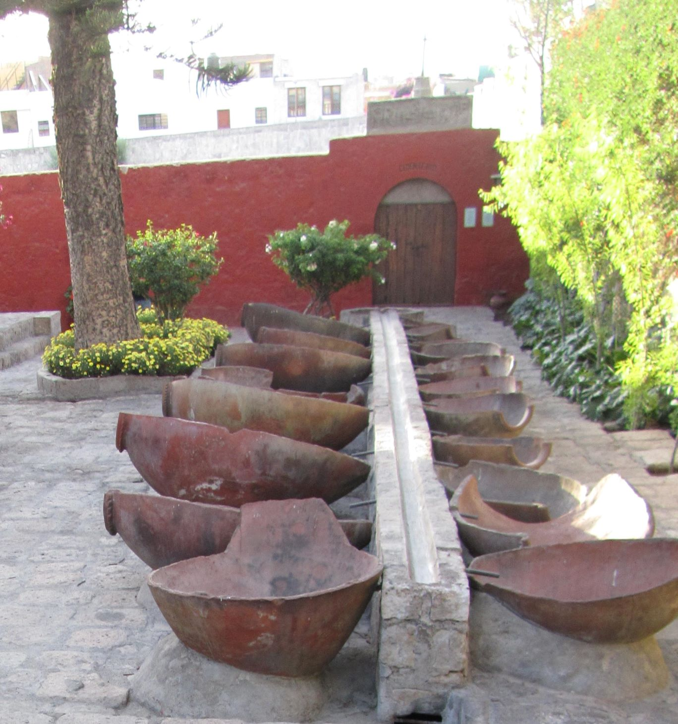 Tenajones en el Convento de Santa Catalina Arequipa Perú2